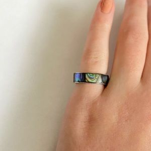 Small New Zealand shell ring.